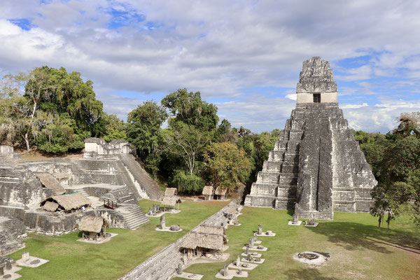 This is the north Acropolis and Tempel I - the Tikal Tempel you see on all the posters!