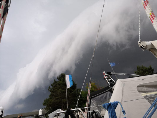 Gewitterwolkenwalze über Damp. Foto von Alex Pankau, SY Ritena