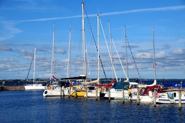 Hafen von Avernakø