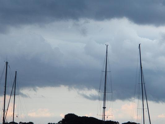 Gewitterwolken über Snaptun