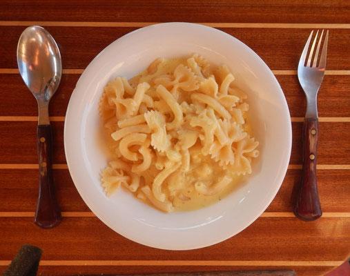 Nudeln mit Käse- Sahnesauce a´la Chiara und Axel