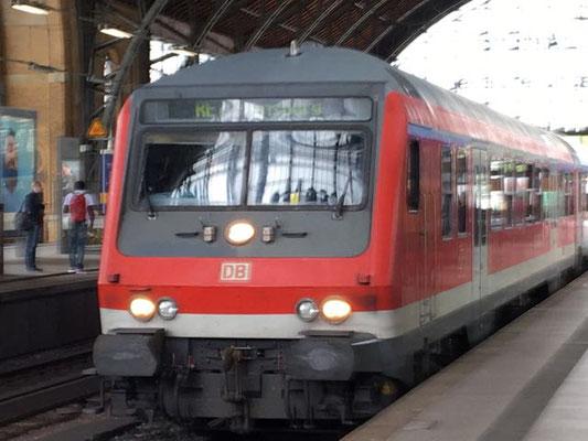 Einfahrt erhält die Regionalbahn nach Flensburg auf Gleis 3