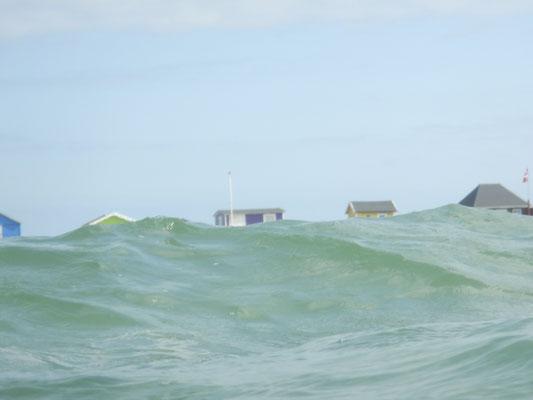Strandhäuschen in schwerer See