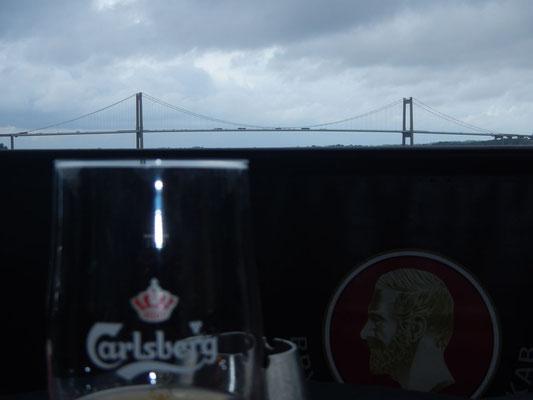Lillebæeltsbro durchs Bier gesehen