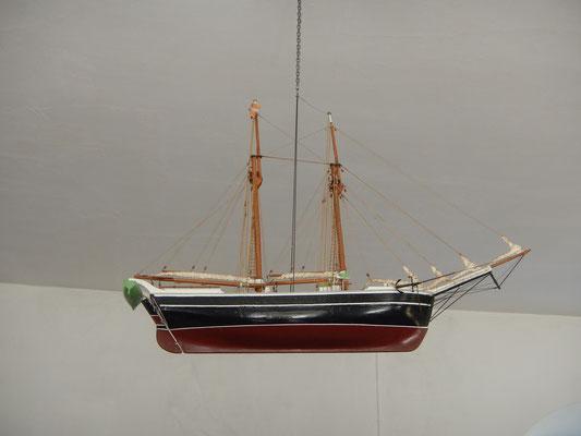 Das obligatorische Schiffsmodell in einer dänischen Kirche