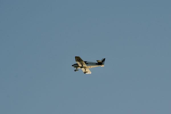 Zweifacher Überflug im Tiefflug