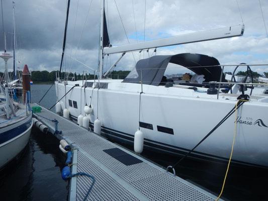 """Wohnwagen zur See """"Black Pearl"""" Hanse 575"""