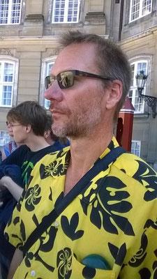 Peter beim Wachwechsel im Schloss Amalienborg- Foto: Chiara
