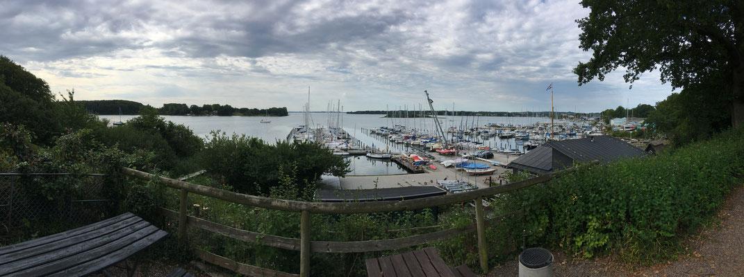 Der Hafen von Gambøt