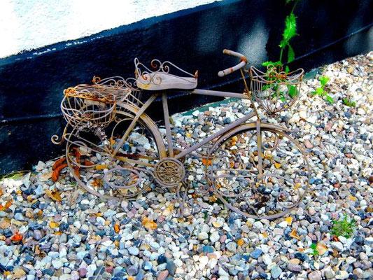 Fahrradskulptur beim Købmand