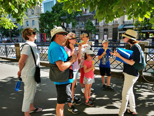 Official private tour guide in Paris