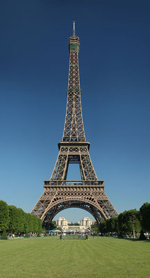 Official tour guide in Paris