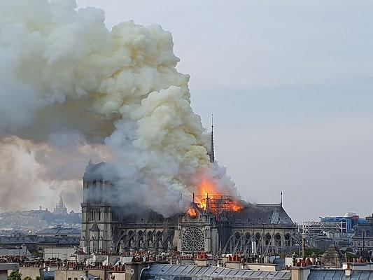 Cathedrale Notre dame de Paris fire April 2019