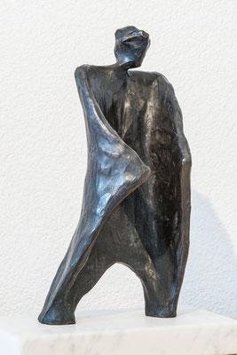 """""""Personaggio"""" - Bronzetto, h = 19 cm"""
