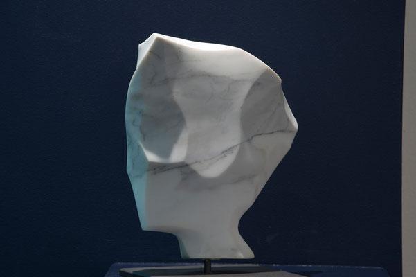 Marmo Carrara bianco-blu, h = 25 cm