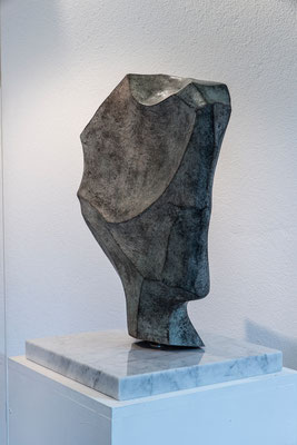 """Testa stilizzata"" - Bronzo, h = 51.8 cm"