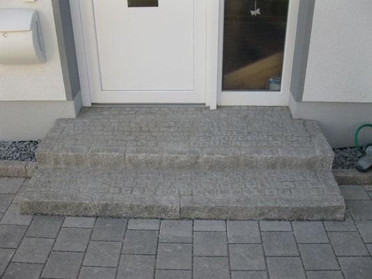 Treppeneingang Granit Mosaik Stufen Granit Palisaden.