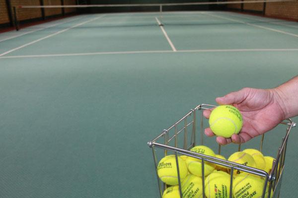 Herzlich willkommen in der Wankendorfer Tennishalle! www.wankendorfertennishalle.de