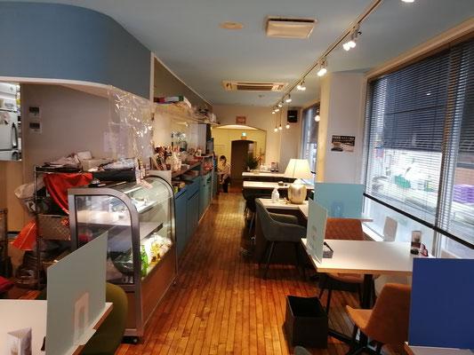 喫茶店C店内2