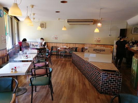 喫茶店D店内座席2