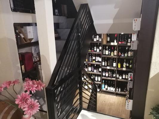 店内2F階段1