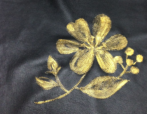 IWAI LACE  ペイント&刺繍
