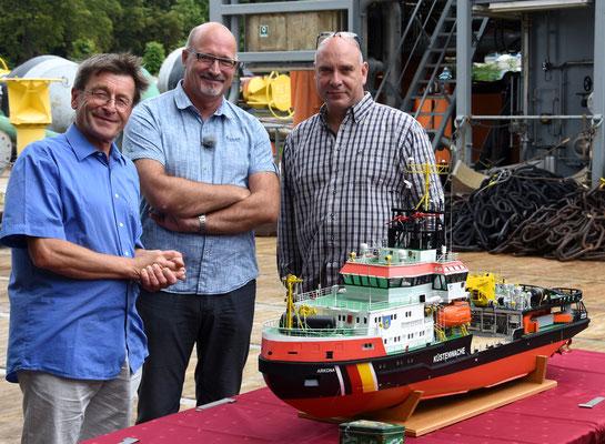 Holger Brydda (WSA-Chef), Jürgen Kliewe und Dr. Thomas Förster vom Ozeaneum