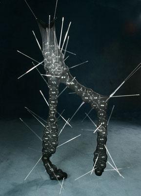 """Untragbar2"", 2004, Glas, Nylon, 150x45x35cm"