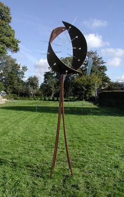 """""""Lichtfänger"""", 2010, Stahl, Glas 320x72x72cm"""