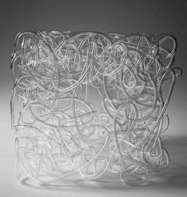 """spueezed chaos"", 20018, 25x25x25cm, Gebogene Glasröhren"