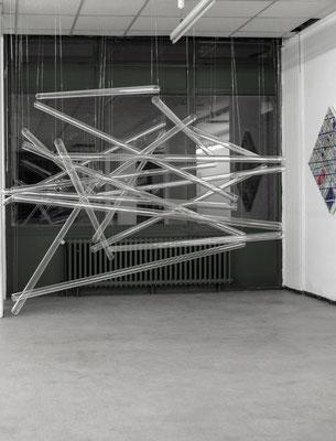 """""""Luftikus"""", 2014, Glasrohre, Nylonfäden"""