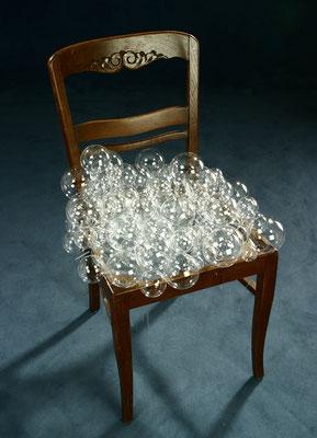 """""""Untragbar 1"""", 2005, Hozstuhl, Glas"""