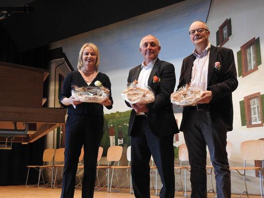 Nationalrätin Elisabeth Schneider-Schneiter, Landratspräsident Hannes Schweizer und Gemeindepräsident Peter Burch gaben uns die Ehre.