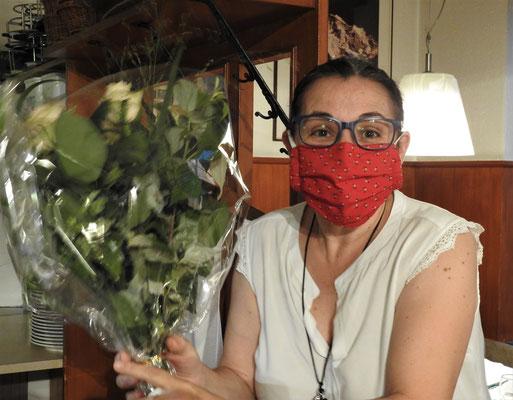 und Pino bekam auch einen Rosenstrauss