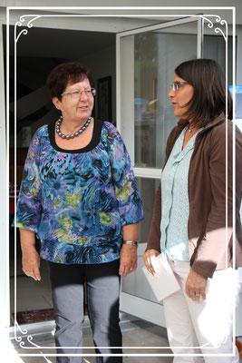 Präsidentin Nathalie gratuliert im Namen des Chores