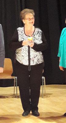 Rosmarie wurde geehrt für 25 Jahre Singen