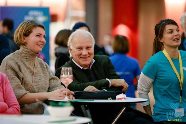 Anne, Janina, #GivingTuesday-Team