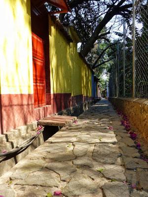 Wege durch San Marcos Atitlán-See