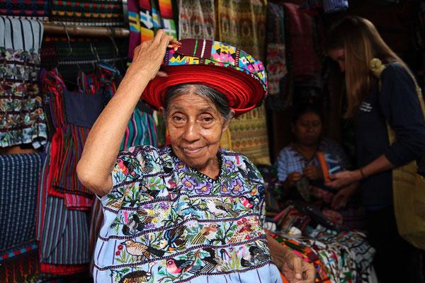 Tz'utujil Frau Santiago de Atitlán, Photo by Mama