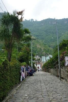 Straßen von San Antonio Palopó am Atitlán-See