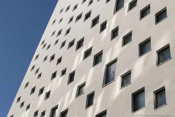 Hôtel Campanile Lille pour Sto - La Madeleine - Architecte Rudy Ricciotti