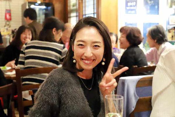 「今日は初めて聞いたマンドリン演奏でしたがとても楽しめました。最後のアイガットリズムでダンスをやっているので、足が動いちゃいました」と司会の太田彩乃さん。