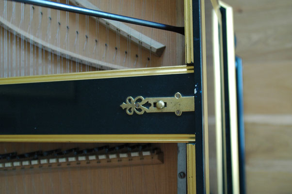Double manual harpsichord French ( after Pierre Donzelague ) Detail © photo A.Heinrichs-Heger
