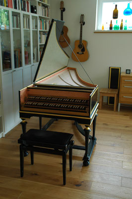 Double manual harpsichord French ( after Pierre Donzelague )© photo A.Heinrichs-Heger