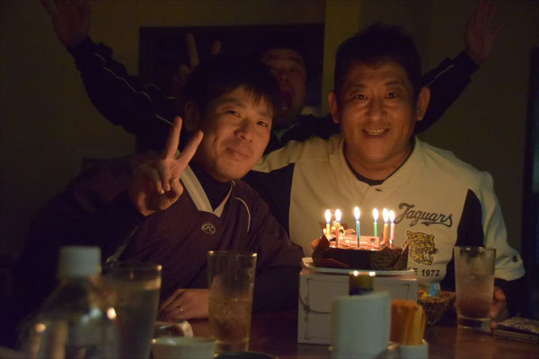 大西コーチと保護者会長森下さんのお誕生日会も