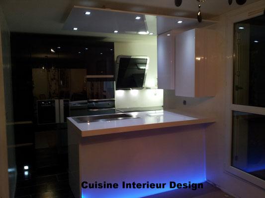 """#cuisineinterieurdesign#création#toulouse#moderne#cuisine#design#laque#blanche#graphite#plandetravail#rétroéclairé""""corian"""