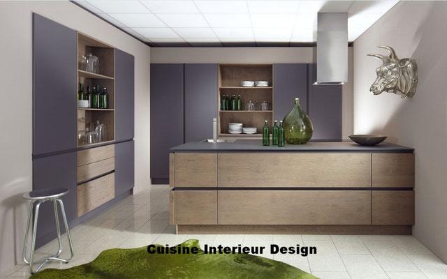#cuisineinterieurdesign#création#toulouse#moderne#cuisine#design#contemporaine#alliant#la#laque#et#bois#avec#grand#casserolier#bi#matière#ilot#schroder