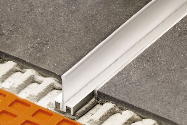 SHOWERPROFILE-WS with collapsible upright lip is installed at the same time as your tile.