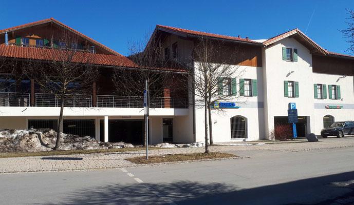 EDEKA-Vollsortimenter Schliersee, Einfahrt Tiefgarage