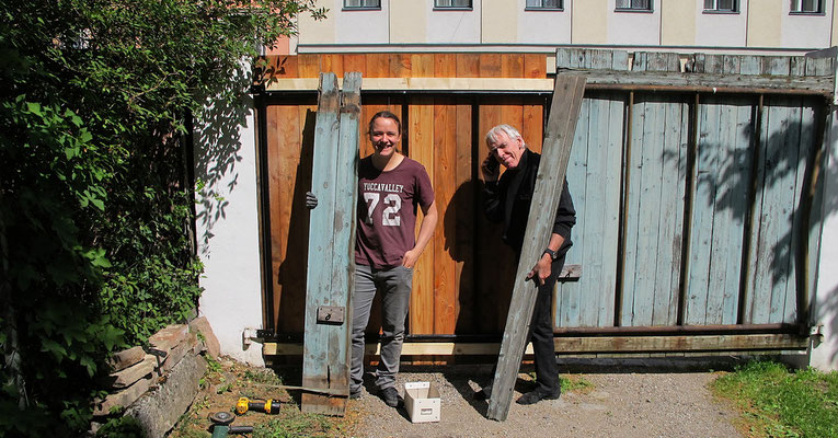 Thomas and Leo during the dismanteling and making of the new gate
